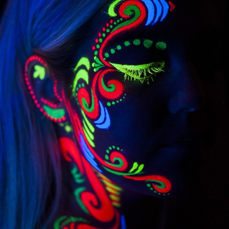 Blacklight neon schmink