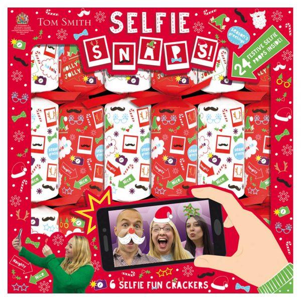 6 Christmas Crackers Selfie fun