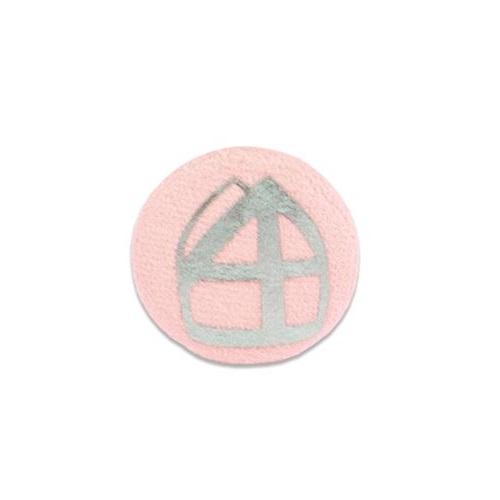 Baretspeld / button met mijter licht roze