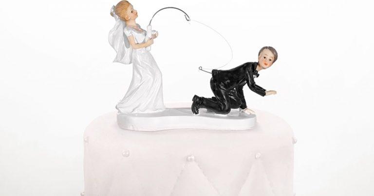 Bruidspaar vissende bruid