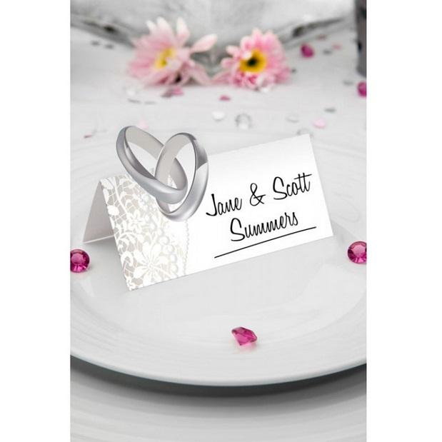 Bruiloft naamkaartjes ringen