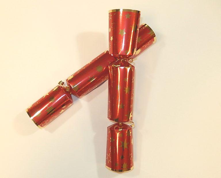 Christmas cracker per stuk rood met gouden ster 12&#34,
