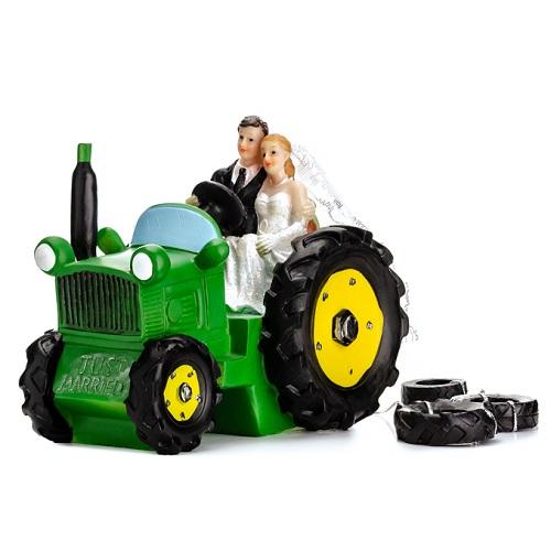 Taarttopper bruidspaar op de tractor