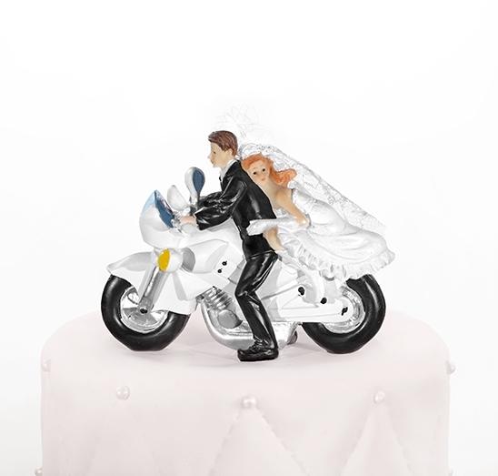 Taarttopper bruidspaar op motor