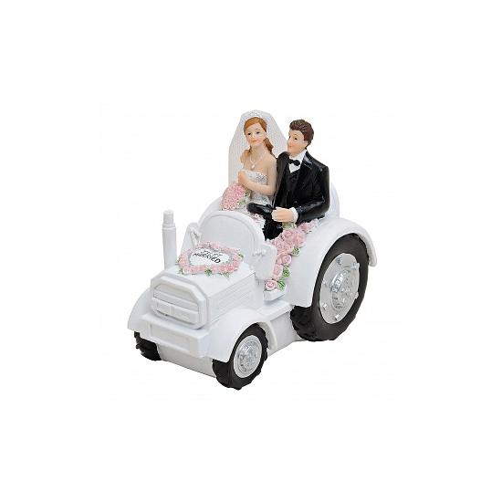 Taarttopper bruidspaar op tractor